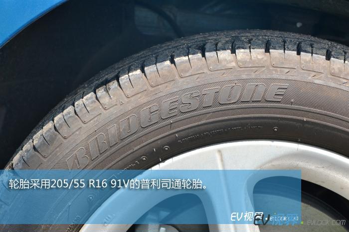 轮胎采用205/55 R16 91V的普利司通轮胎。