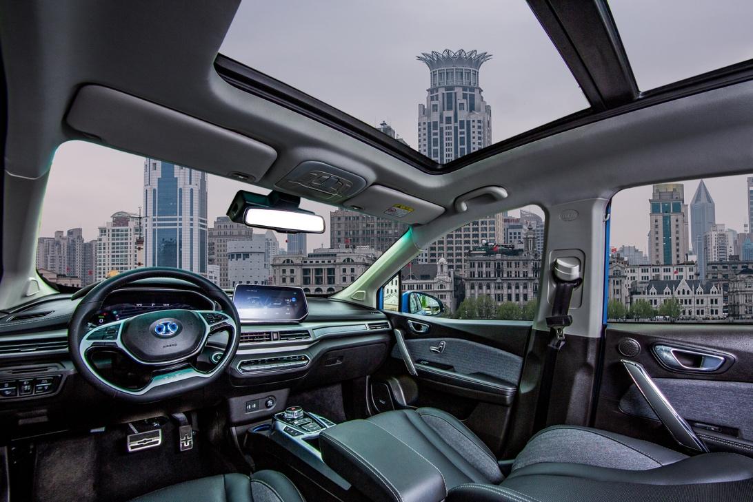 黑科技附体!12.39万起北汽新能源EX3上海车展上市