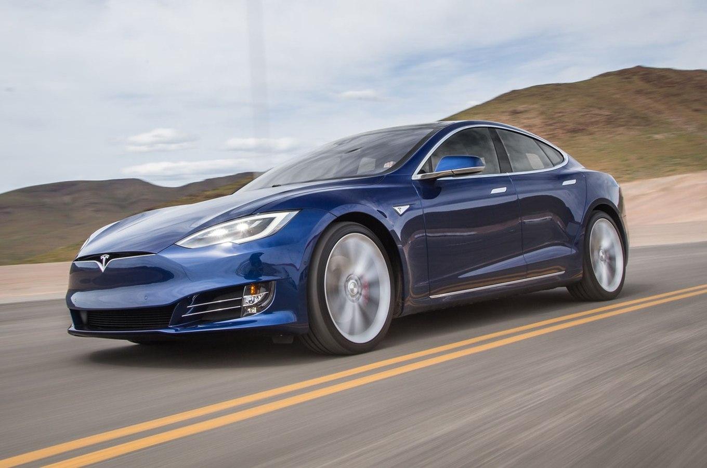 2016-Tesla-Model-S-P90D-front-three-quarter-in-motion-04-e1462310328475.jpg