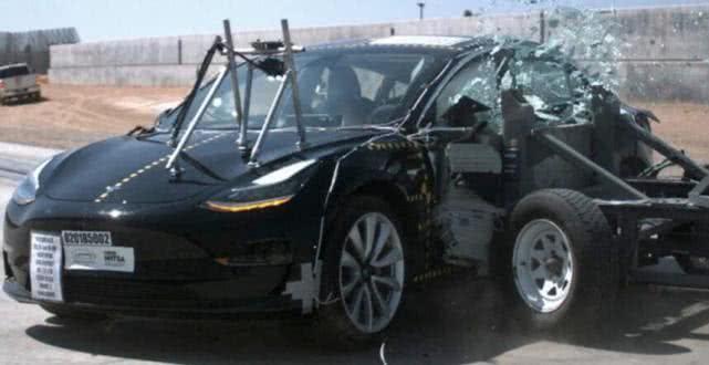 特斯拉Model 3 获美国交通安全局NHTSA五星级安全评级