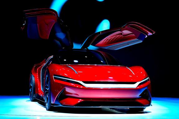 """迈入强大中国车时代 比亚迪上海车展携庞大阵容矩阵式""""向新而行"""""""