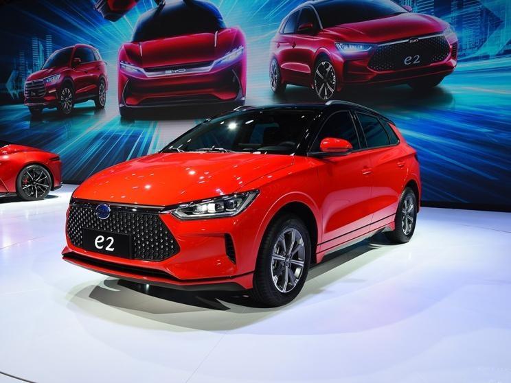 比亚迪e2量产车型下线 定位为两厢轿车