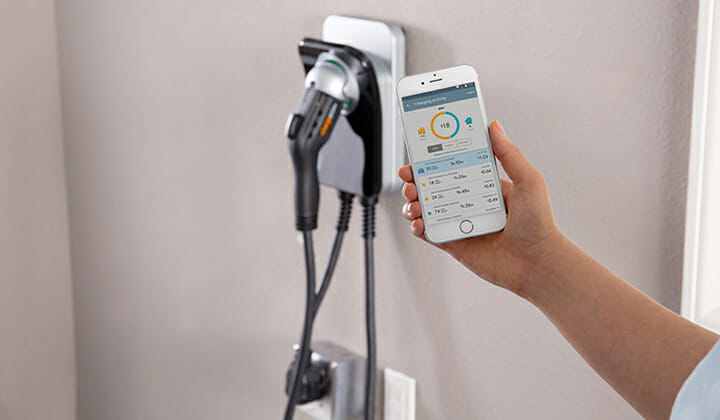 Chargepoint-with-smartphone-app-720x420px.jpg