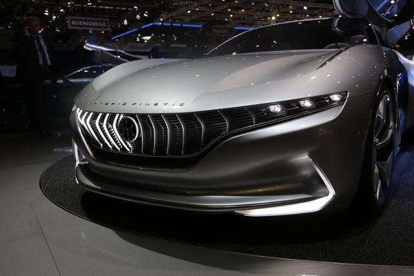 中国品牌绽放日内瓦车展 三款新能源跑车实拍
