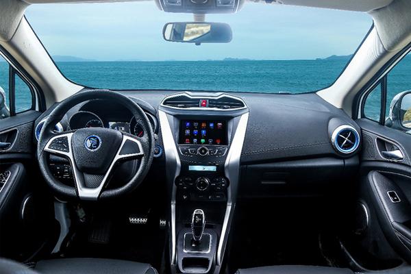比亚迪元EV360内饰官图发布 续航360公里