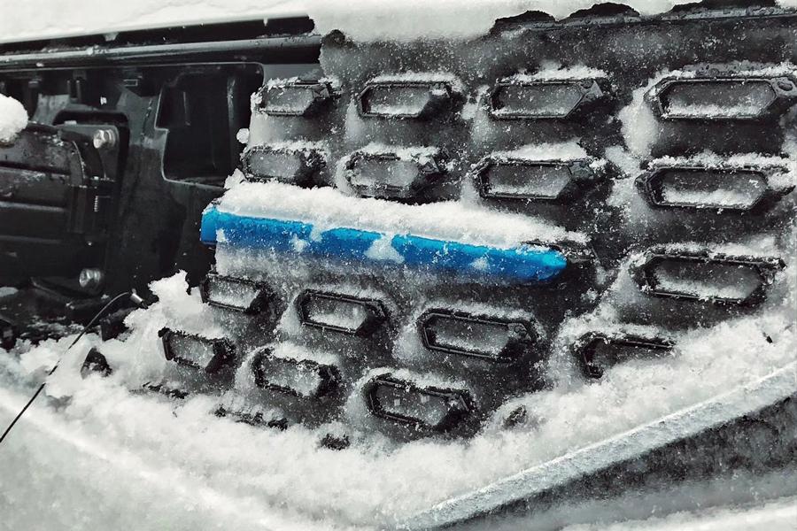 老司机给你提个醒 雨雪天驾驶电动汽车应该怎么办