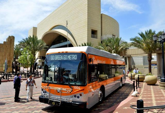 据了解美国纯电动巴士 80%来自中国比亚迪汽车
