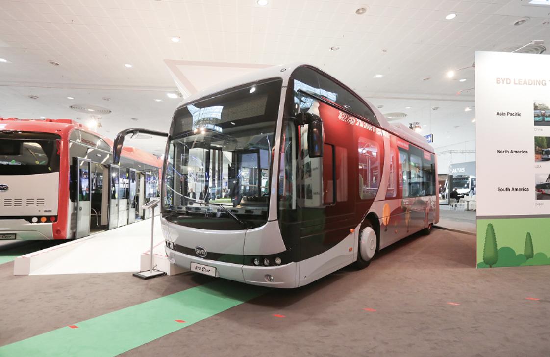 """多项黑科技""""加持""""!比亚迪在德国发布中国首款""""模块化""""电动巴士"""