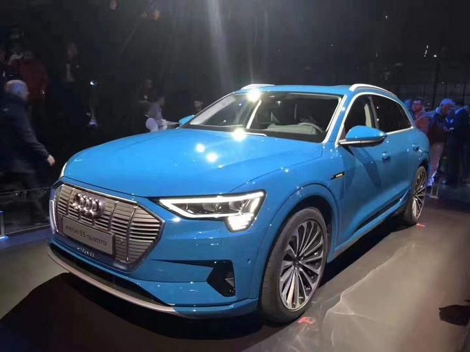 奥迪首款纯电动汽车e-tron 续航达400公里 预计明年上市