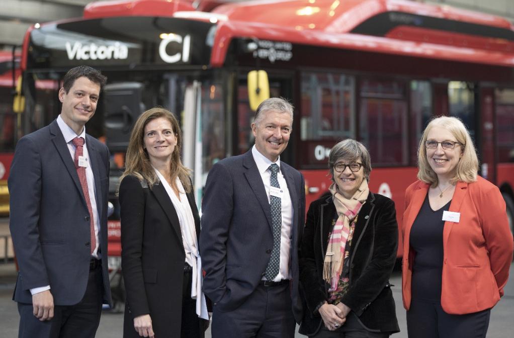 比亚迪英国再交车  助力运营商打造全方位智能化充电车库