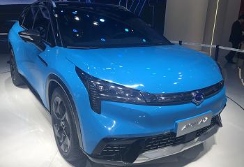 2019上海车展 : 广汽新能源Aion LX亮相