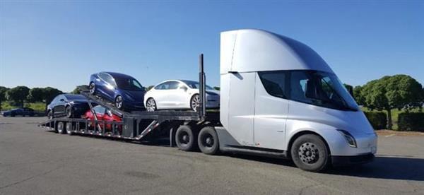 特斯拉Semi卡车协助运输Model Y交付