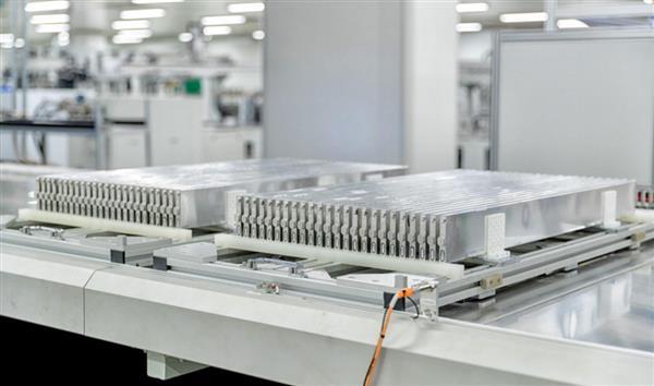 自研自产,精益求精,制造高品质刀片电池