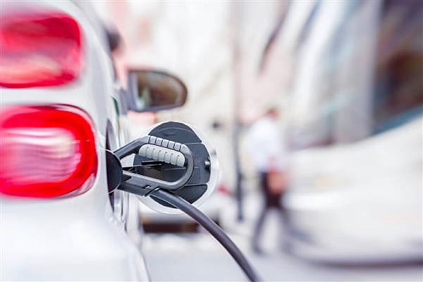 公安部:我國新能源汽車保有量已達417萬輛