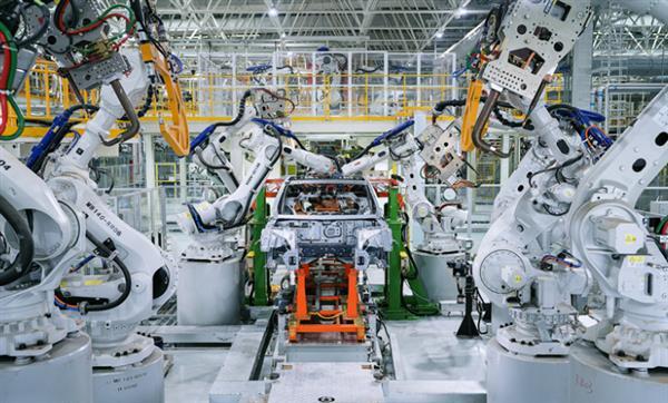 发改委等四部委:有序放开新能源汽车代工生产