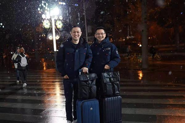 当蔚来火力全开,李斌和秦力洪在想些什么?