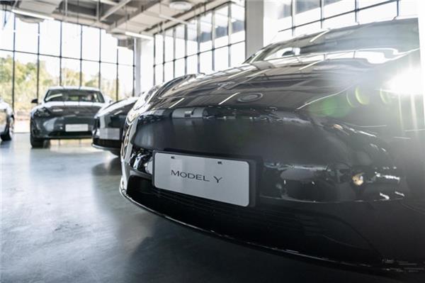 特斯拉中国造Model Y在上海正式交付