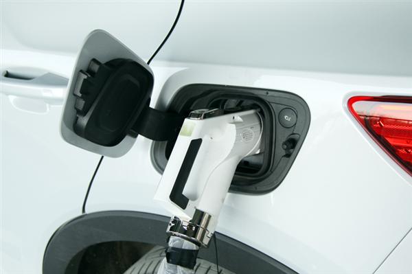 深圳2025年新能源汽车保有量将达100万辆 私家车占78万辆