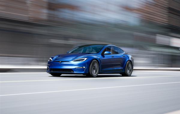 零百2.1秒在车里玩赛博朋克?Model S Plaid美国正式交付