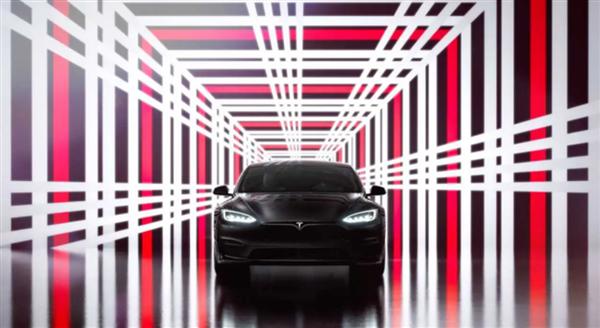 综合续航约560km 特斯拉Model S Plaid版EPA成绩出炉