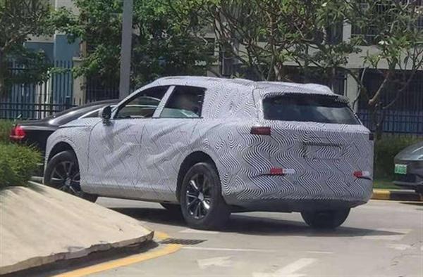 小鹏中大型SUV谍照曝光,预计2022年亮相
