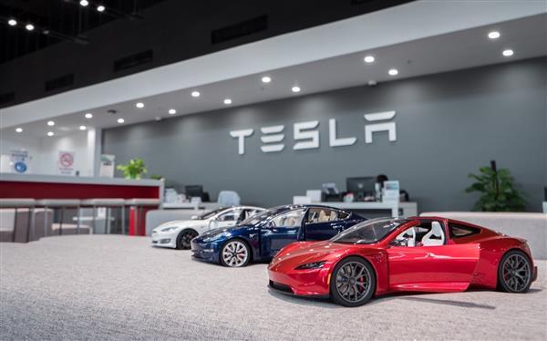 特斯拉T-talk详解高效智能服务 成为汽车服务行业的新标杆