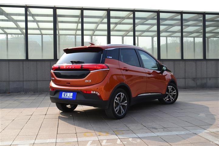 北京汽车北京EX3