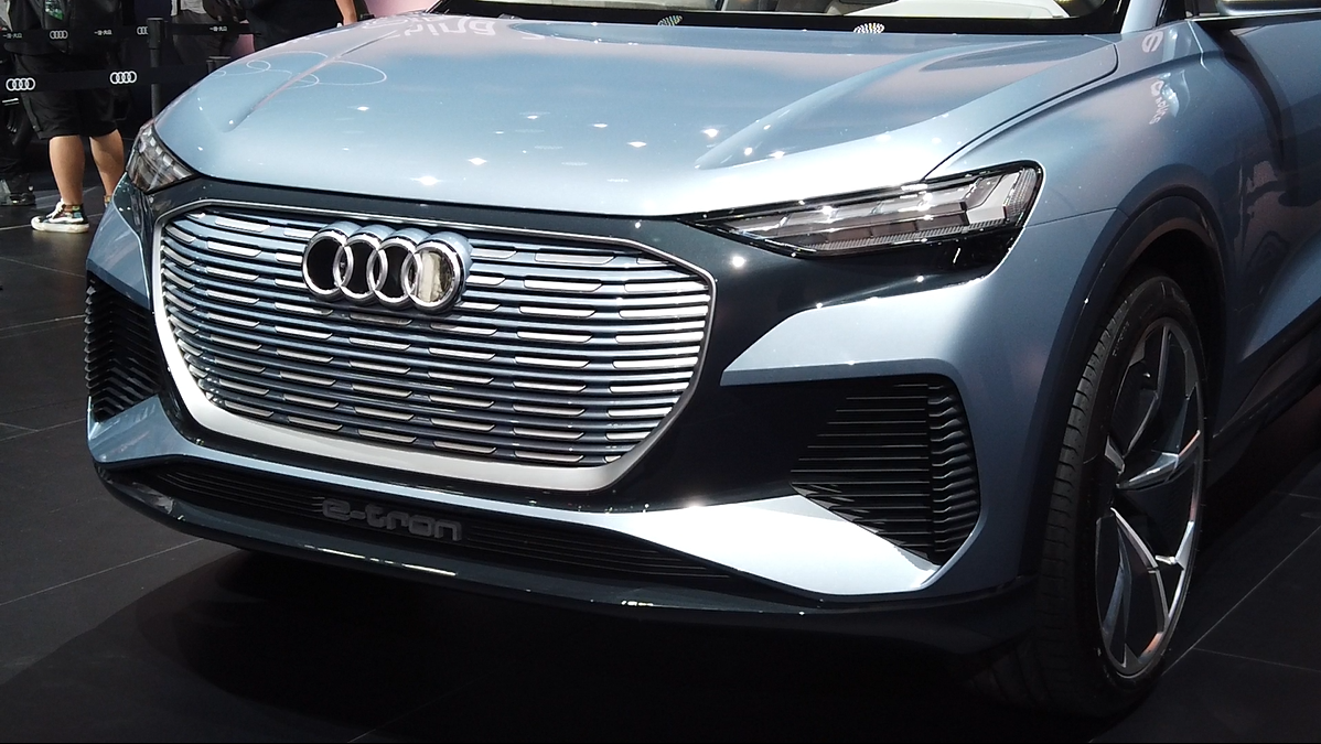 目标锁定特斯拉Model Y,奥迪Q4 e-tron概念车车展实拍